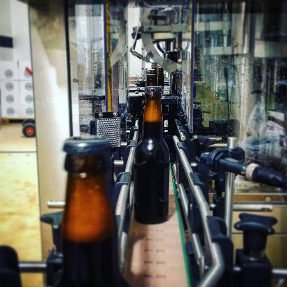 BLK IPA a palackozógépen (Fotó: MONYO Brewing Co. Facebook)