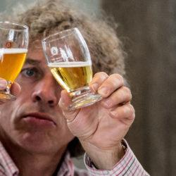 Mindeközben Brüsszelben: 1100 sör, három nap alatt