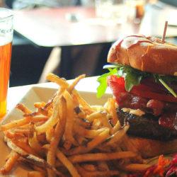 Sör, hamburger, BBQ szentháromság a Millenárison