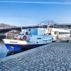 A Moldva folyón úszik Prága legújabb sörfőzdéje