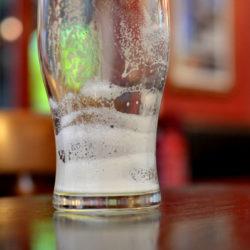 Economist: a sör kezd kimenni a divatból