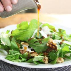 Ha nem bírod ki máshogy: salátára is mehet a sörös dresszing