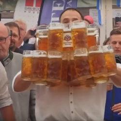 Egy német adóellenőr bírja el a legtöbb sört a világon