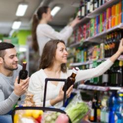 Leugranál karácsonykor egy sörért? Itt van a boltok nyitva tartása!
