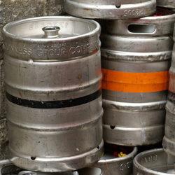 Az USA-ban nem hagyják elkallódni a söröshordókat