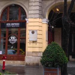 Indusztriál stílus, nagyszerű burgerek – megnyitott Budapest új sörbisztrója