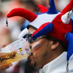 Így mulat a focivébé: hivatalos sör és kajainfók jönnek
