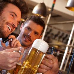 Lányok, ezért randizzatok olyan sráccal, aki imádja a sört!