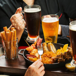 Mutatunk hat szokatlan vendégváró csemegét - és mindhez illik valamilyen sör