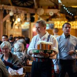 Vissza kettő, padlógáz: így reagálnak a nagy cseh sörös cégek a csökkenő vendéglői sörfogyasztásra