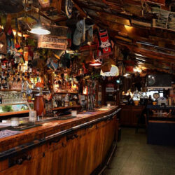 Nagy-Britannia: az ezredforduló óta majdnem a felére csökkent a kocsmákban eladott sör mennyisége