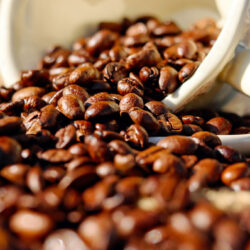 Gasztroenterológus: kávézzatok, mert egészséges