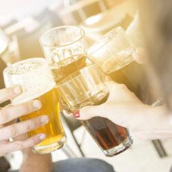 Így verseng egymással a világ 15 legtöbb sört fogyasztó országa – videó