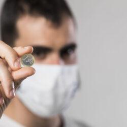 Dollárszázmilliókat veszítenek a nagy gyártók a koronavírus miatt
