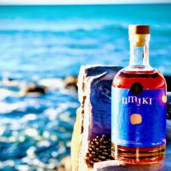 Tengervízzel készül, fenyőhordóban érik az új japán whisky