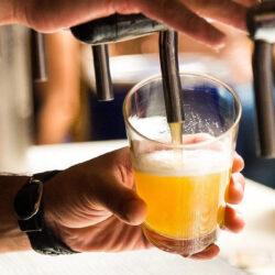 Alig nőtt tavaly a román sörfogyasztás