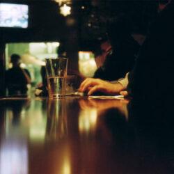 Durván többet isznak a nőknél a magyar férfiak